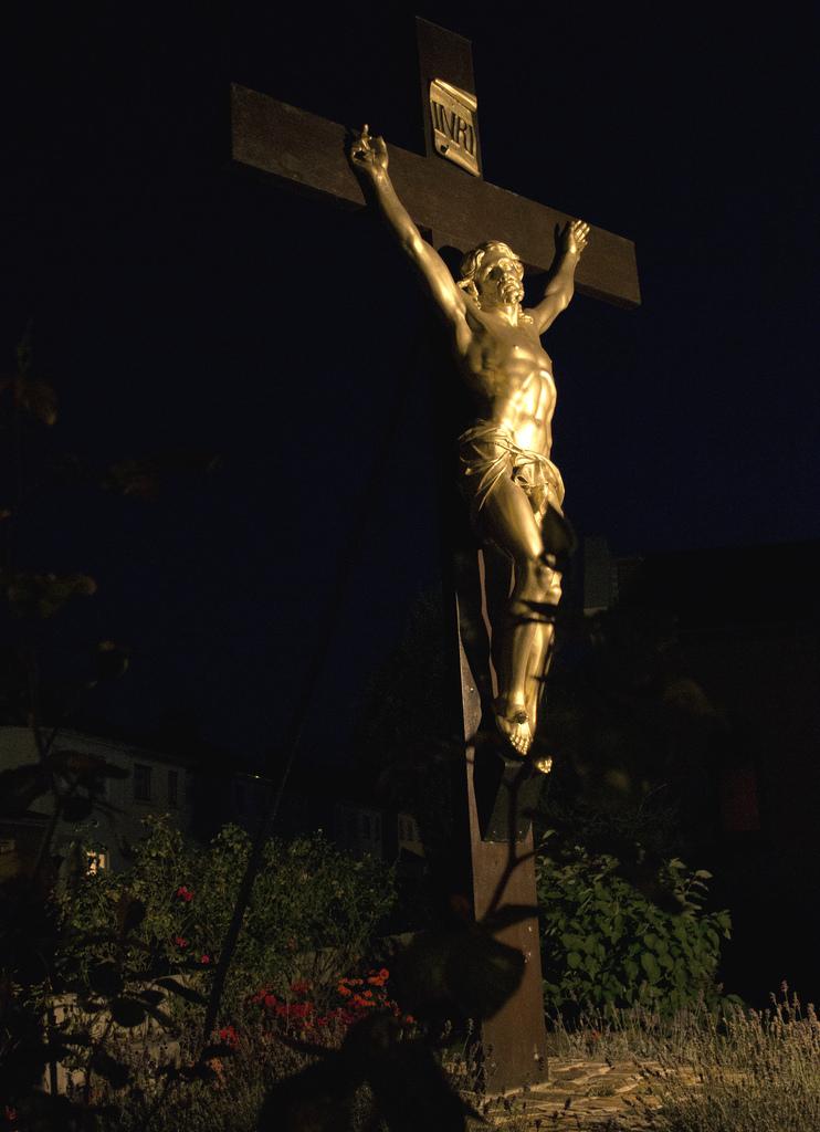 suburban-crucifixion